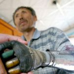 Chinese Man Builds Himself Bionic Hands from scrap metal (video)