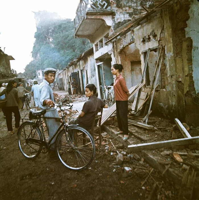 Vietnam War images - Brutality of Vietnam War by Bill Thomas