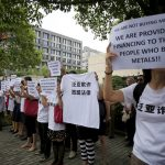 Insight – Lured by hopes of easy money, amateur Chinese commodity traders lose their shirts
