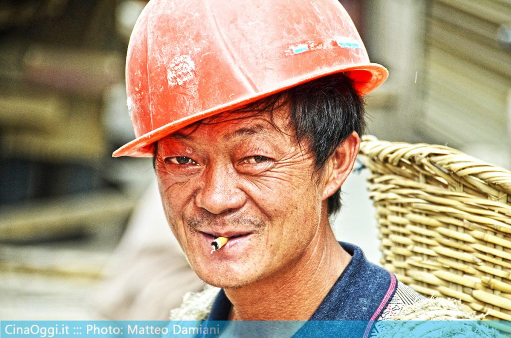 china-suburbia-050-Chinese migrant worker