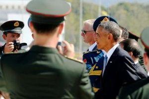 U.S. President Barack Obama arrives at Hangzhou Xiaoshan International Airport in Hangzhou, China September 3, 2016. REUTERS/Jonathan Ernst