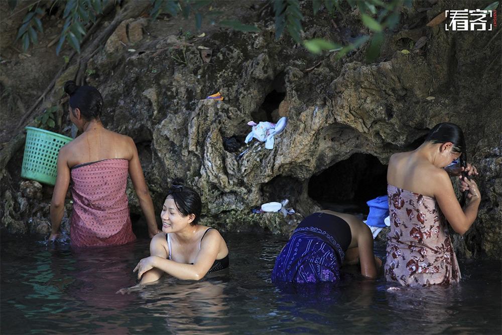 Dehong hot springs