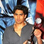 Sporting gesture for peace by Vijender Singh to China