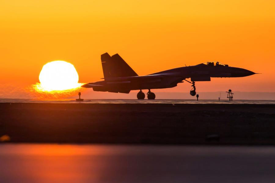J-11-fighter-jet-take-off