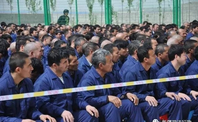 Uighur-detainees-in-a-rehabilitation-center-in-Xinjiang