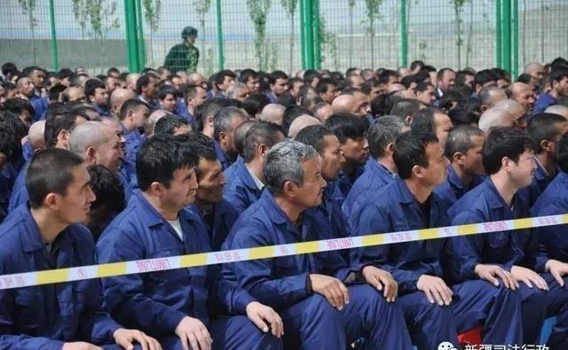 Uighur-detainees-in-a-rehabilitation-center-in-Xinjiang