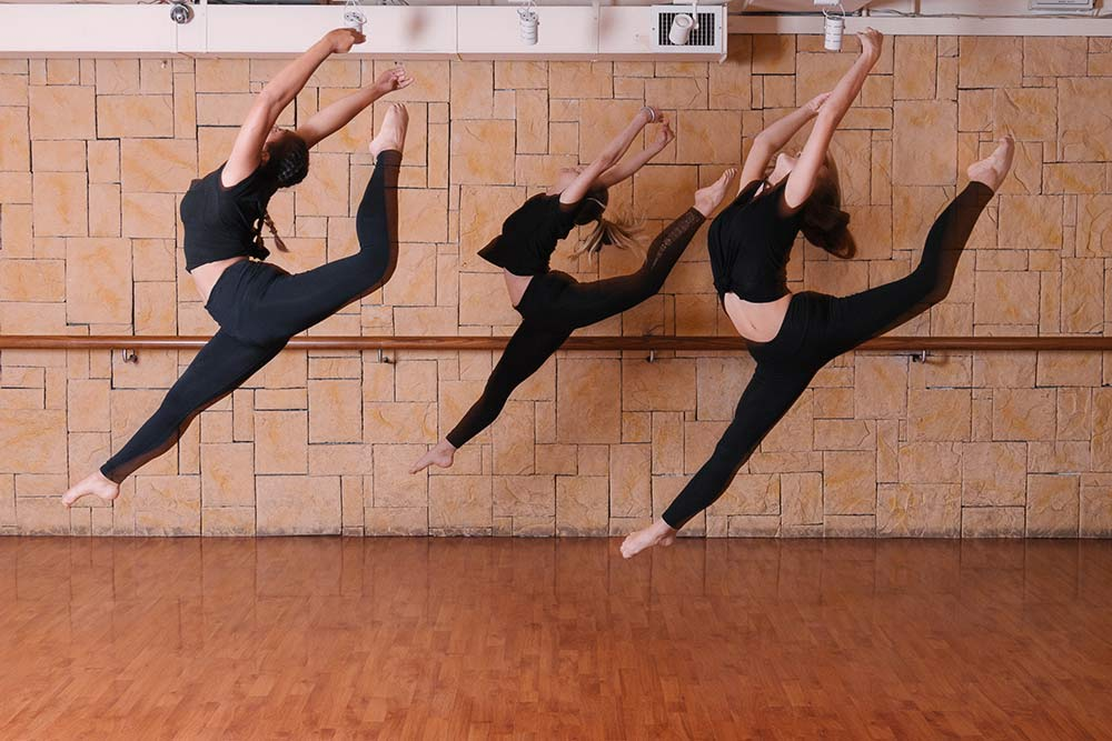 Kat-Val-Lily-Leap