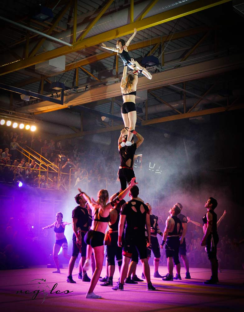 The-Freaks-Acrobatic-Showteam