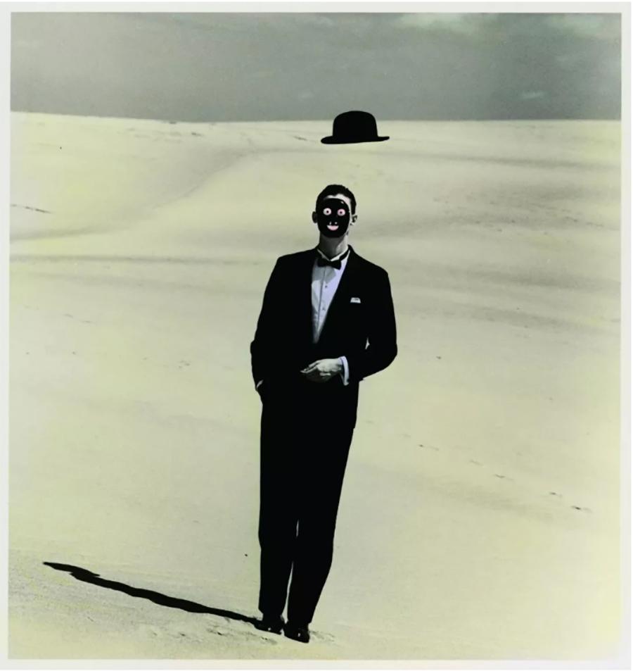 选自《沙丘》系列,1983,- From the series Dune (1983), Image ©Shoji Ueda Office