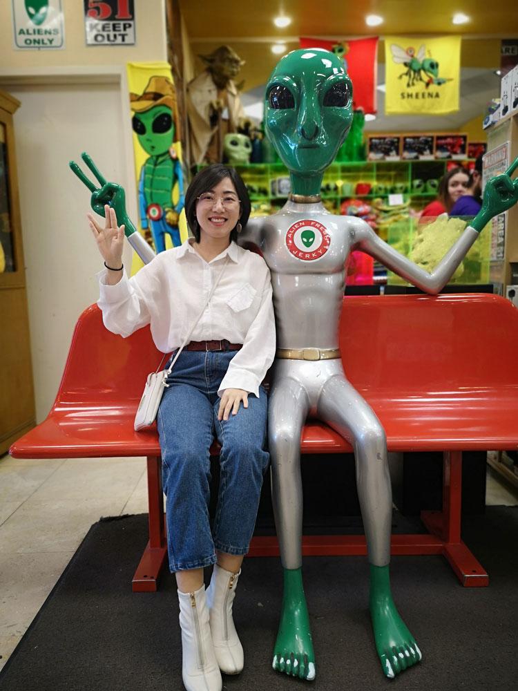 xia-jia-science-fiction-writer-2