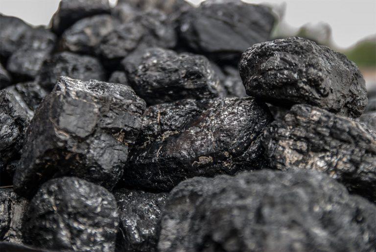 China cuts Australia's coal imports