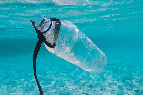 China strengthens measures against single-use plastics